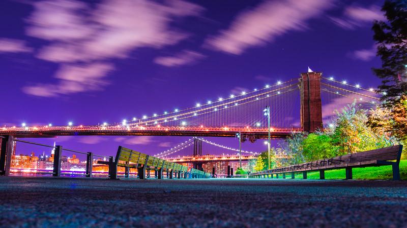 Brooklyn bridge park long exposure of the Brooklyn bridge